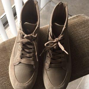 Shoes - 👟
